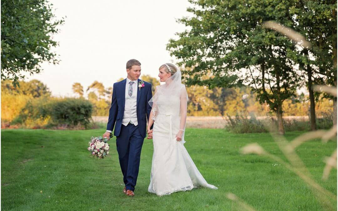 Cambridge Wedding Photographer | Granary Barns Newmarket | Rustic Barn Wedding