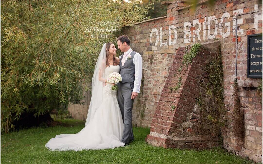 Cambridge Wedding Photographer | The Old Bridge Hotel | Charlotte & Stephen