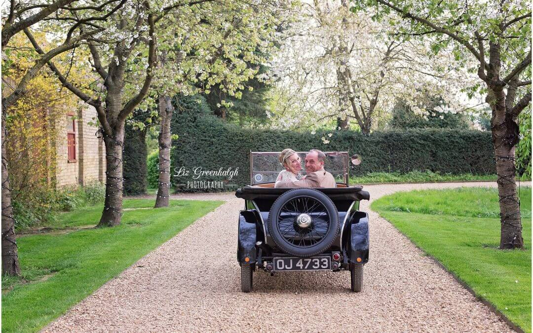 Cambridge Wedding Photographer | South Farm Royston | Laura & David