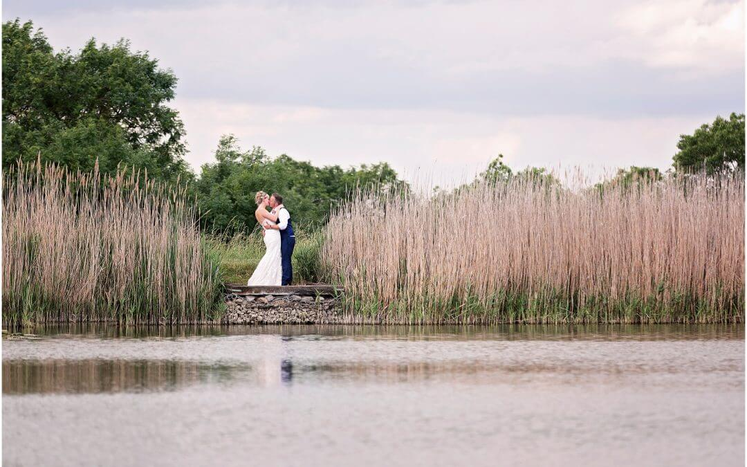 Cambridge Wedding Photographer | Wilobe Farm Barn | Kelly & Faz