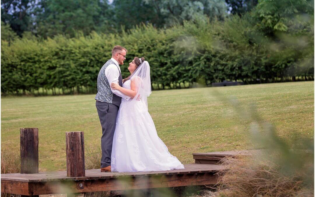 Cambridge Wedding Photographer | Wilobe Farm Barn Pidley
