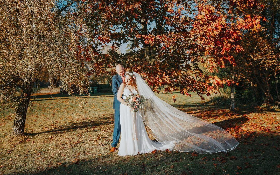 The Thatched Barn Autumn Wedding – Dawn & Ian